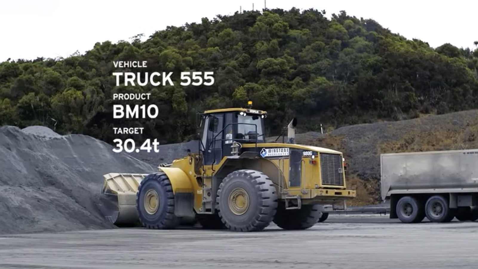 Loadrite video screenshot - wheel loader loading aggregate